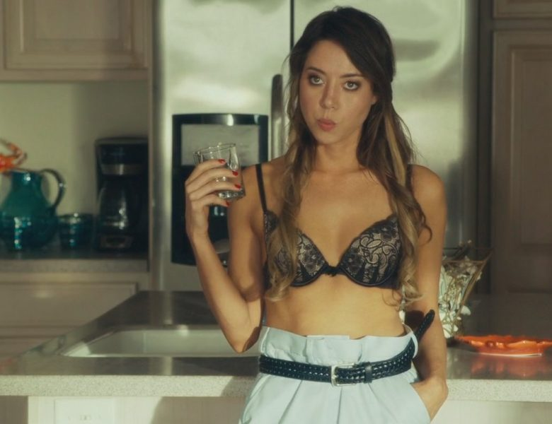 Compilation of Sexy Aubrey Plaza Scenes from Dirty Grandpa (2016)