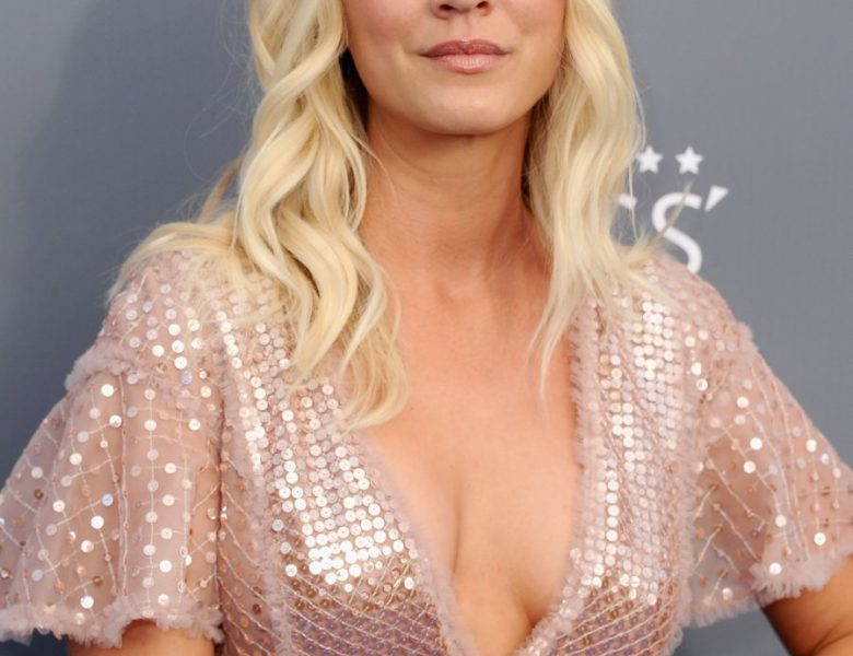 Busty Blonde Kaley Cuoco Shows Her Boobs in a Cleavage-Baring Dress