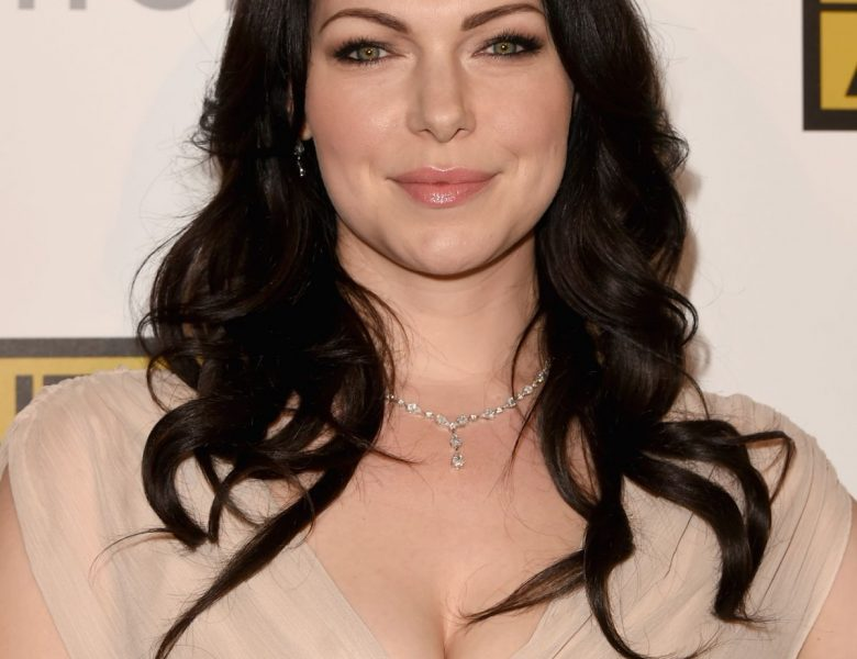 Brunette Laura Prepon Proudly Showing Her Ample Cleavage in Public
