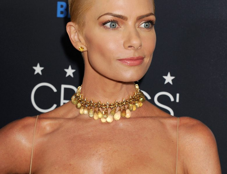 Perfect Blonde Jaime Pressly Shows Her Boobs in a Red Dress