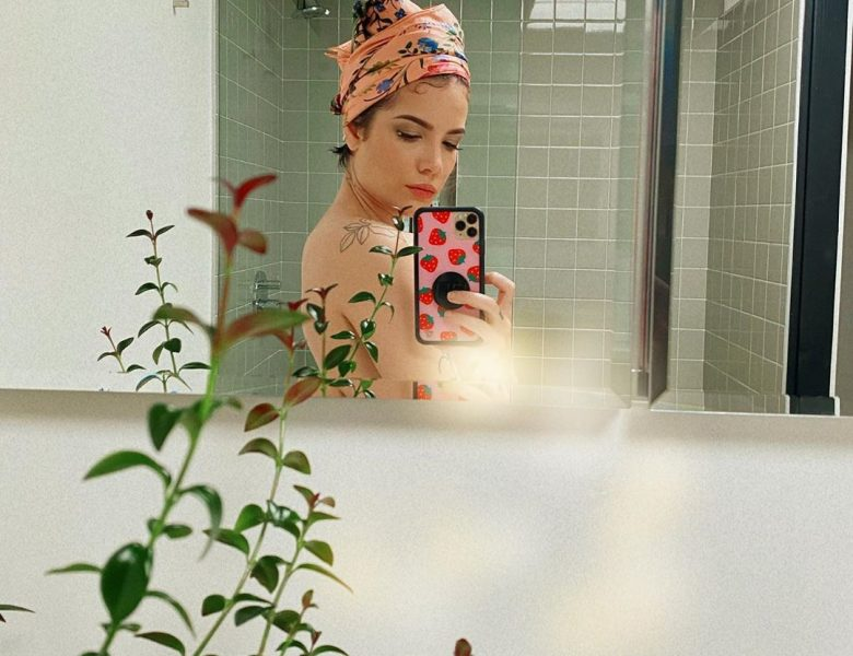 Sexiest Pictures of Halsey from Instagram and Other Sources