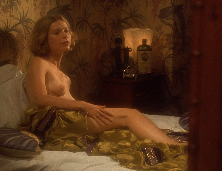 Blond-Haired Hottie Jennifer Jason Leigh Goes Topless Once Again