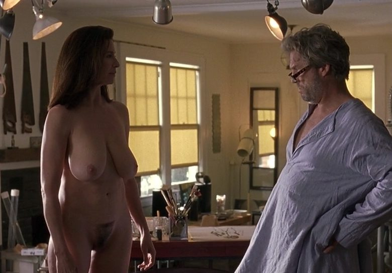 Busty Brunette Mimi Rogers Bares It All for the Camera