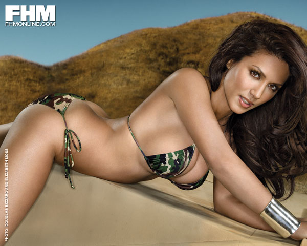 Military Girl Leanne Tweeden Showing Her Enviable Assets for FHM