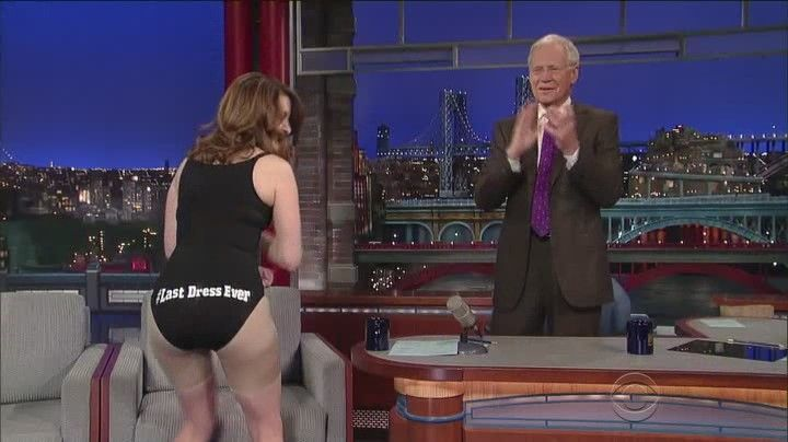 Tina Fey Shakes Her Ass for No Good Reason at David Letterman's Show