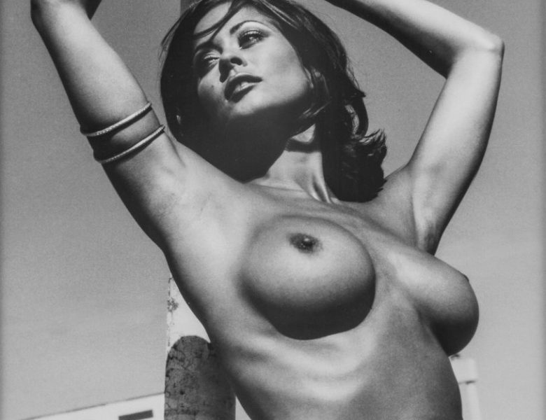 Retro Hotness: Young Brooke Burke Showing Her Naked Breasts