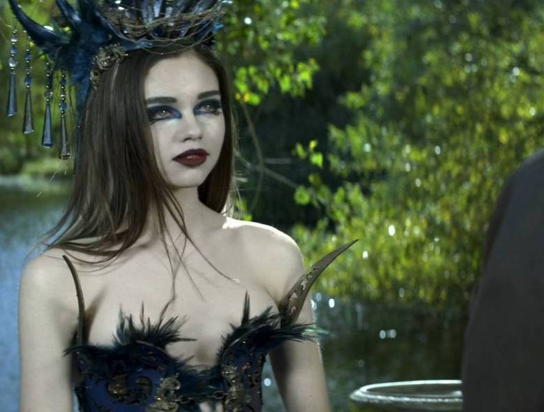 India Eisley's Hottest Screencaps from an Insanely Cheap-Looking Movie