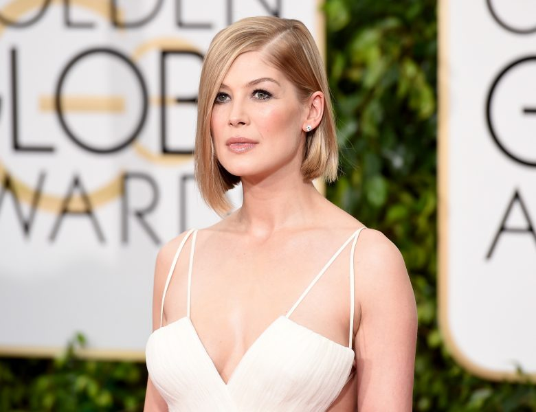 Rosamund Pike Looks Graceful and Sexy on the Red Carpet (11 Photos)