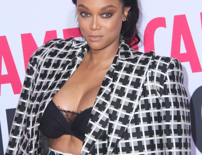 Tyra Banks Looks Sexy AF in Her Brazen, Cleavage-Baring Attire