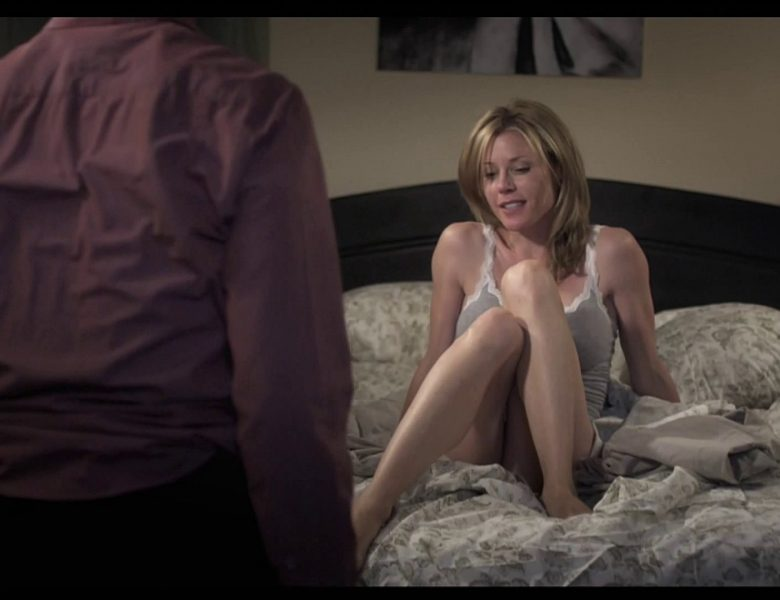 Blond-Haired Beauty Julie Bowen Prepping to Get Fucked on Camera