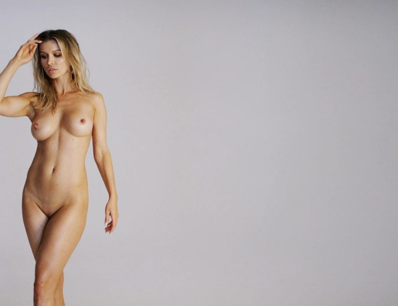 Slim Blonde Joanna Krupa Showing Her Flawless Naked Body in HQ