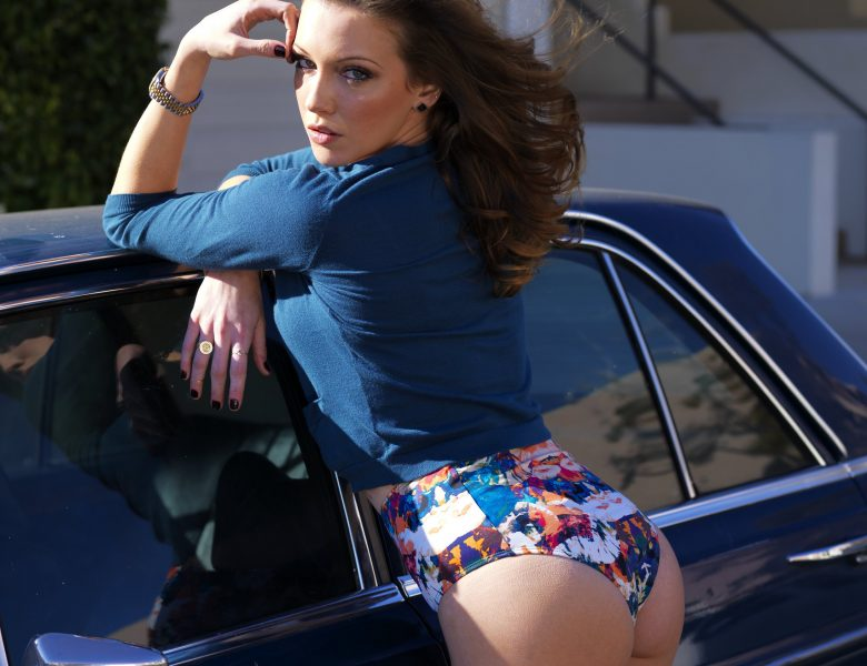Extra-Horny Housewife Katie Cassidy Striking Sexy Poses in HQ