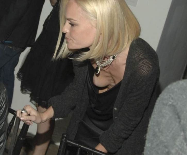 Blond-Haired Bombshell Kate Bosworth Accidentally Flashing Her Nipple