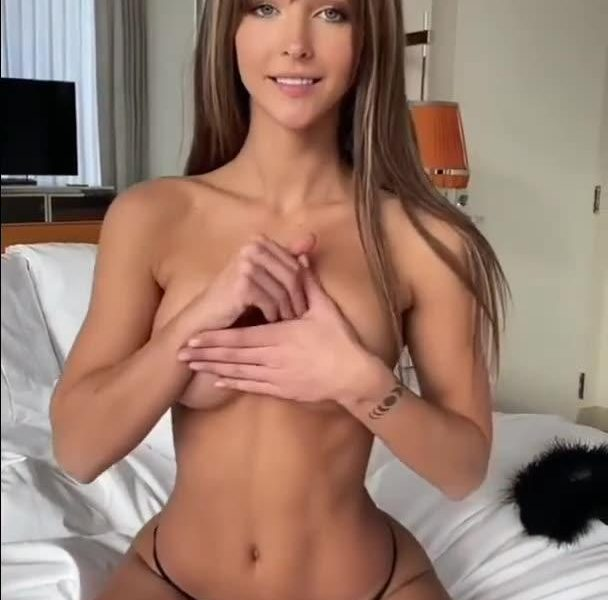 Shameless Cocktease Rachel Cook Goes Topless to Make You Cum