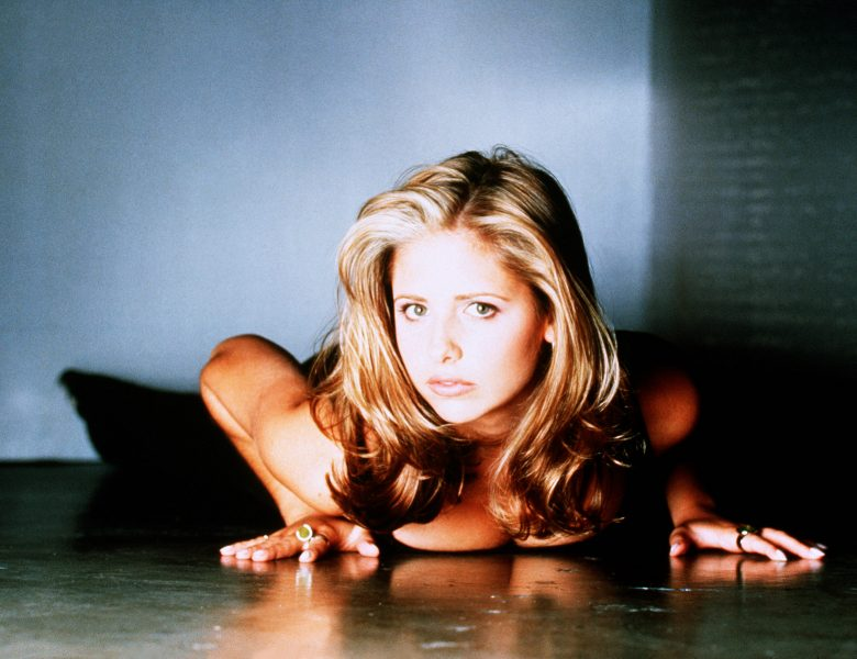 Collection of the Sexiest Sarah Michelle Gellar Pics Throughout the Years