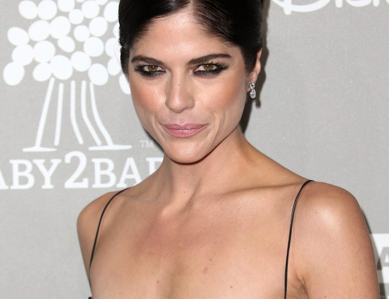 Seductive Selma Blair Gets to Showcase Her Breasts in Public