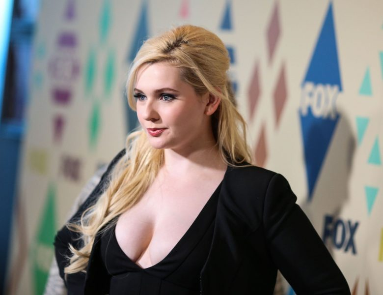 Blond-Haired Abigail Breslin Showing Her Pale Boobies Once Again
