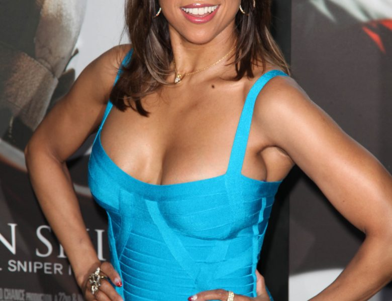 Chesty Stacey Dash Shows Her Ample Cleavage on the Red Carpet