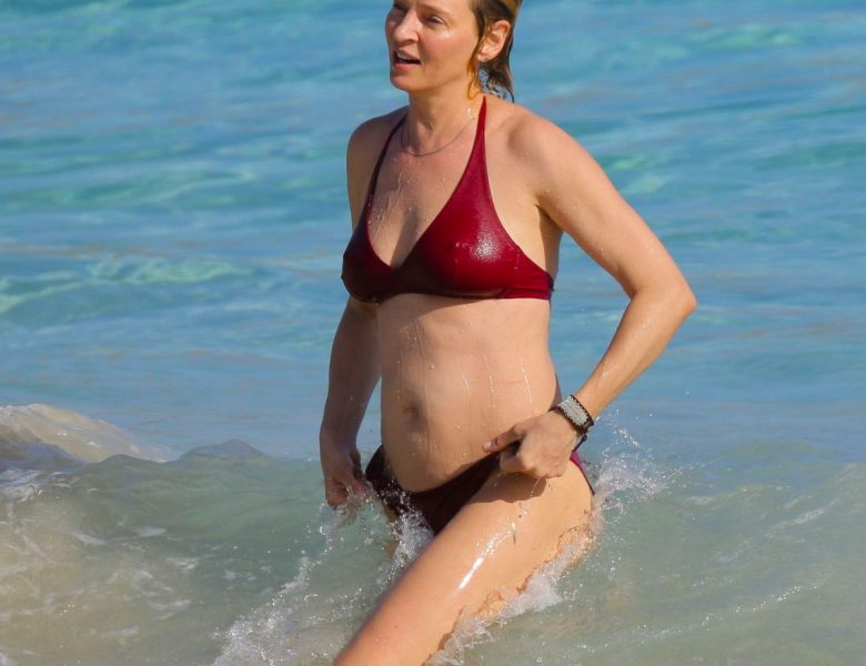 Gorgeous Uma Thurman Displaying Her Physique in a Revealing Two-Piece